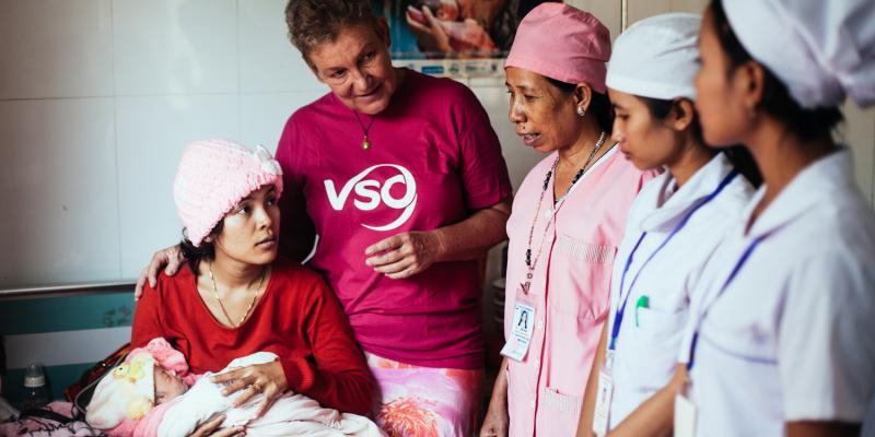 Midwife Ans is volunteering in Cambodia