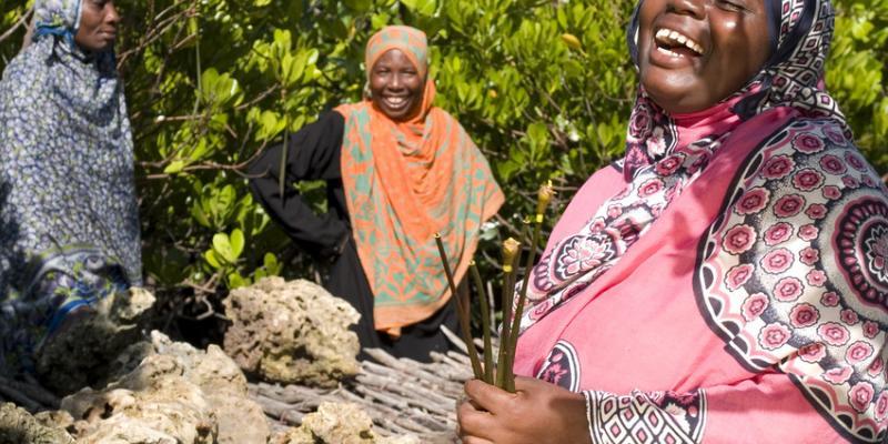 Laughing women in Zanzibar   VSO