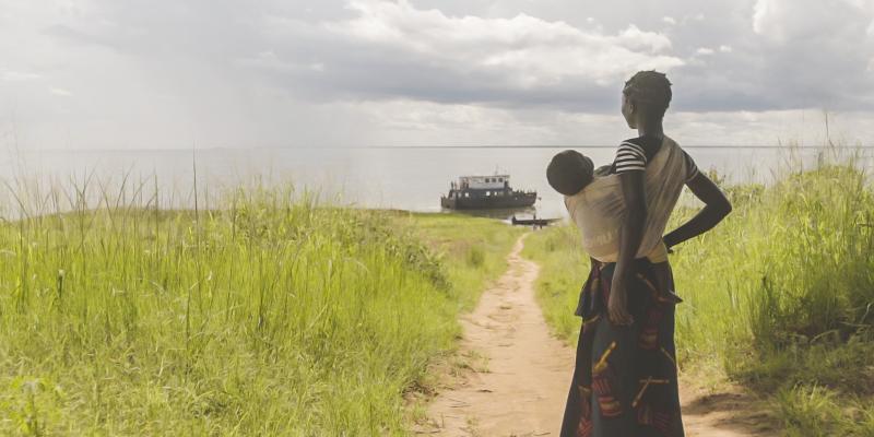Teenage mother on Zambian Island   Reaching the Island   VSO